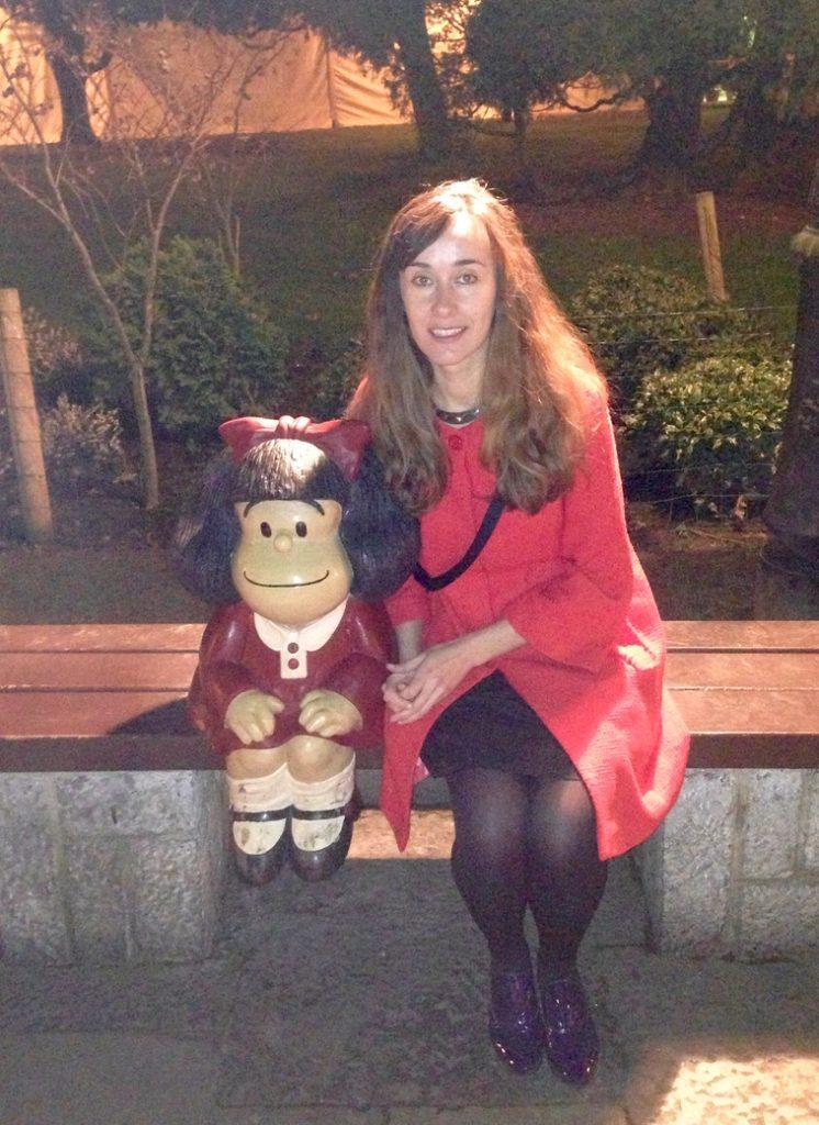 Mafalda de Quino en ruta de las esculturas por oviedo