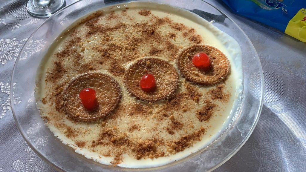 Natillas con galleta maría acompañadas de bizcocho maragato en Castrillo de los Polvazares Leon