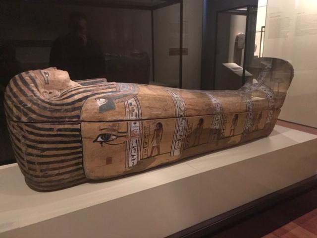 Sarcófago de Ankhefenkhonsu . Madera policromada. Hacia 1000 a.C. Tebas (Luxor)