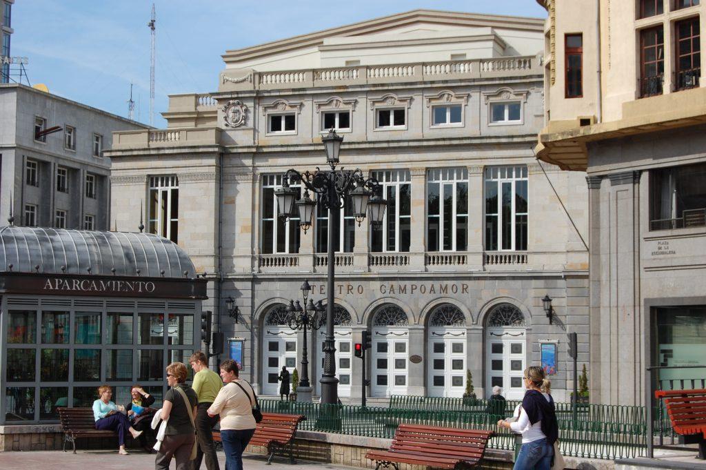 Teatro Campoamor en visita cultural a Oviedo