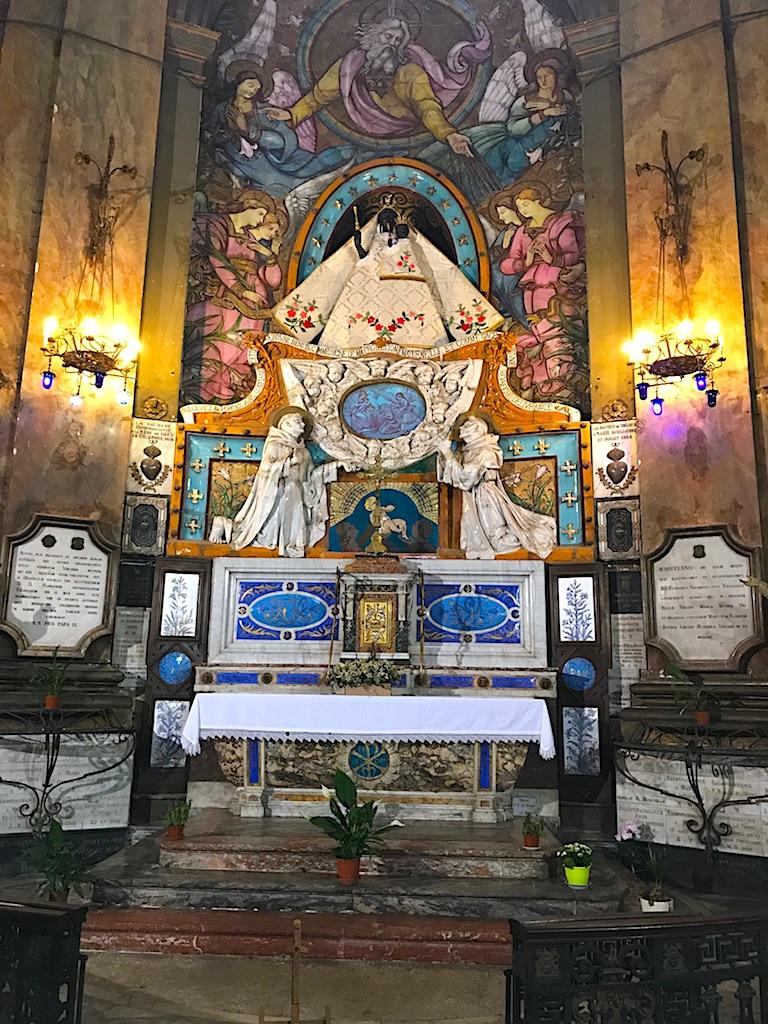 Virgen Negra en Basilique Notre Dame de la Daurade