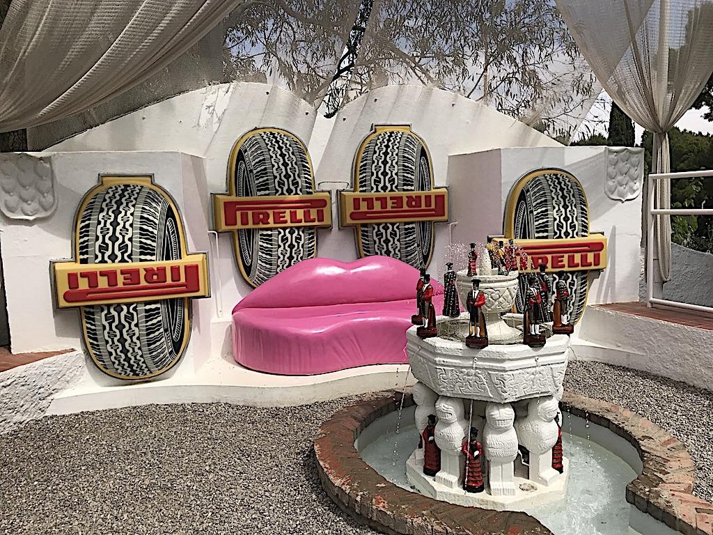 Piscina detalle Pirellir Dalí Cadaqués y Portlligat