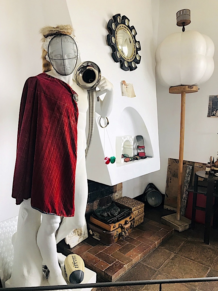 Taller del pintor objeto de cuadro Casa Museo Dalí Cadaqués y Portlligat
